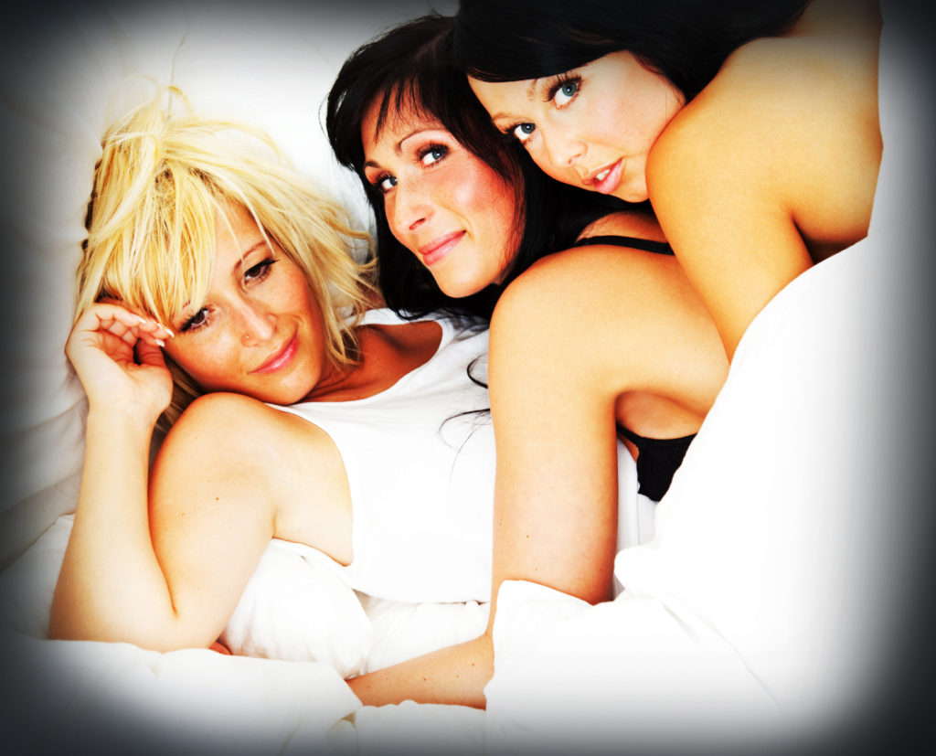 threesome foursome girls